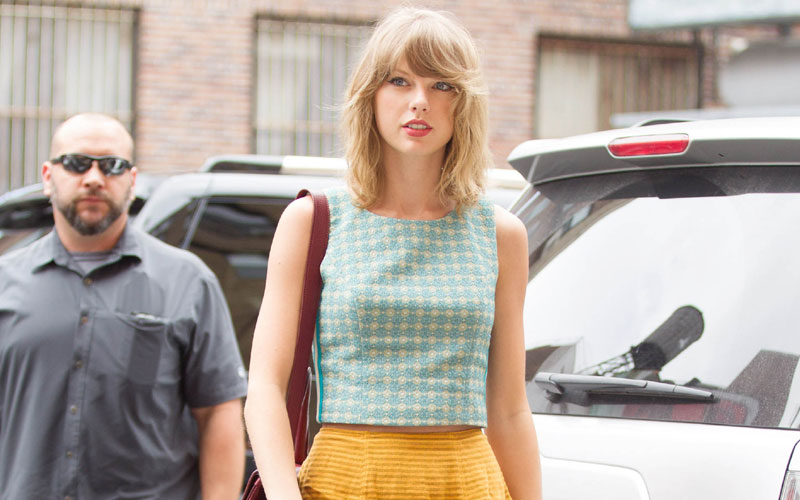 Communication on this topic: Taylor Swift Hit The Streets of NYC , taylor-swift-hit-the-streets-of-nyc/