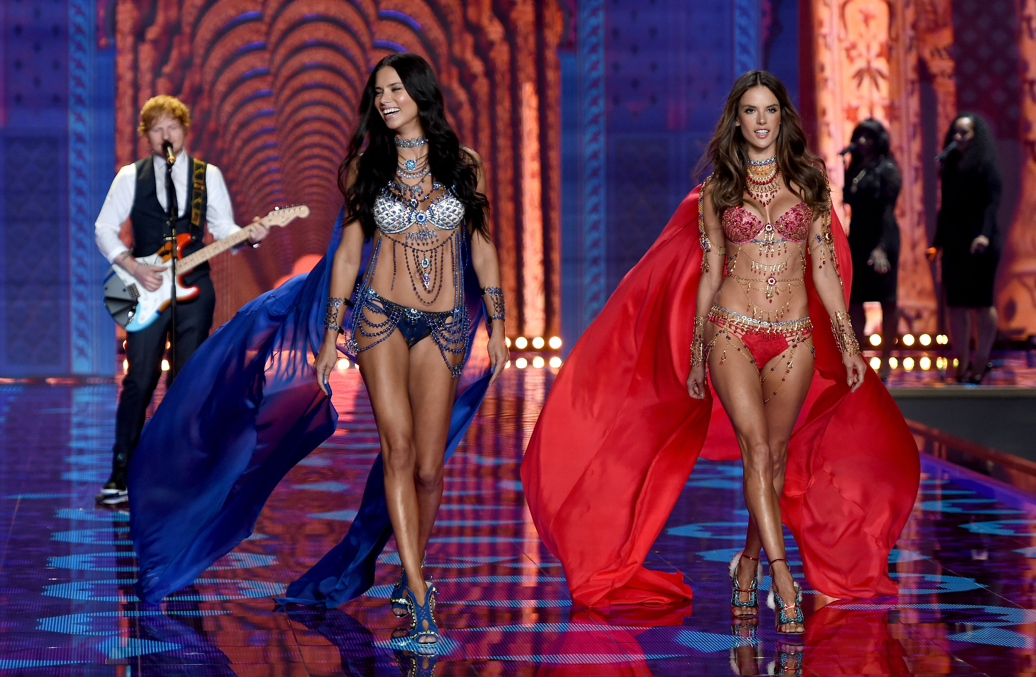 Victoria's Secret Fashion Show 2015 Performance Vs Fashion Show seen so
