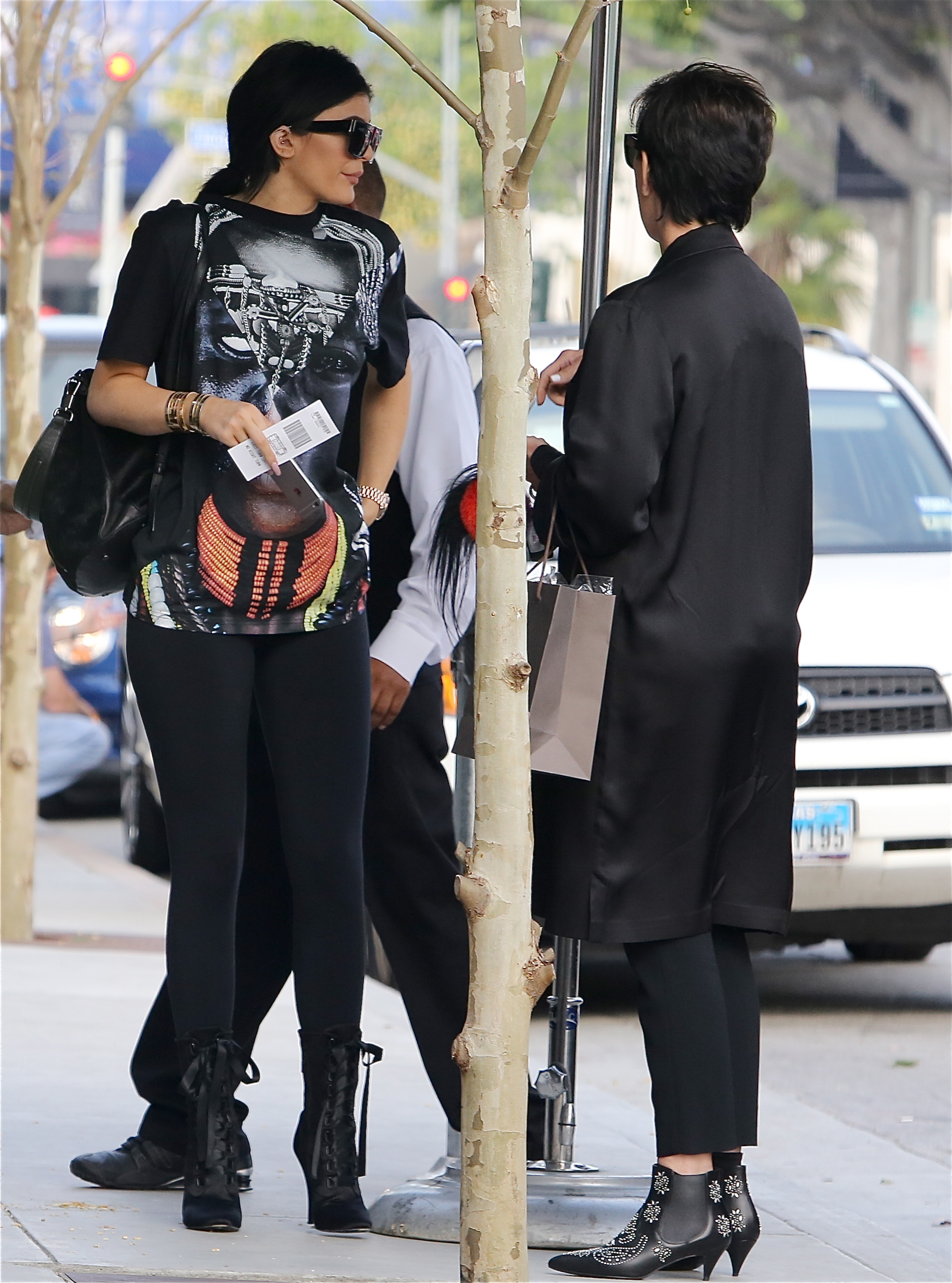 9b81025e09c0 Kylie Jenner in Los Angeles 3 23 15 Elizabeth and James